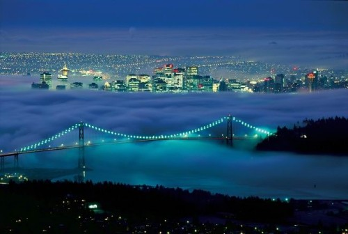 Vancouver nuit - Credit Photo Tourism British Columbia